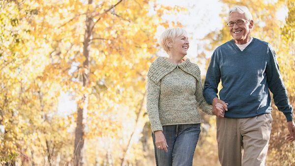 tập thể dục thường xuyên giúp nâng cao sức khỏe người cao tuổi