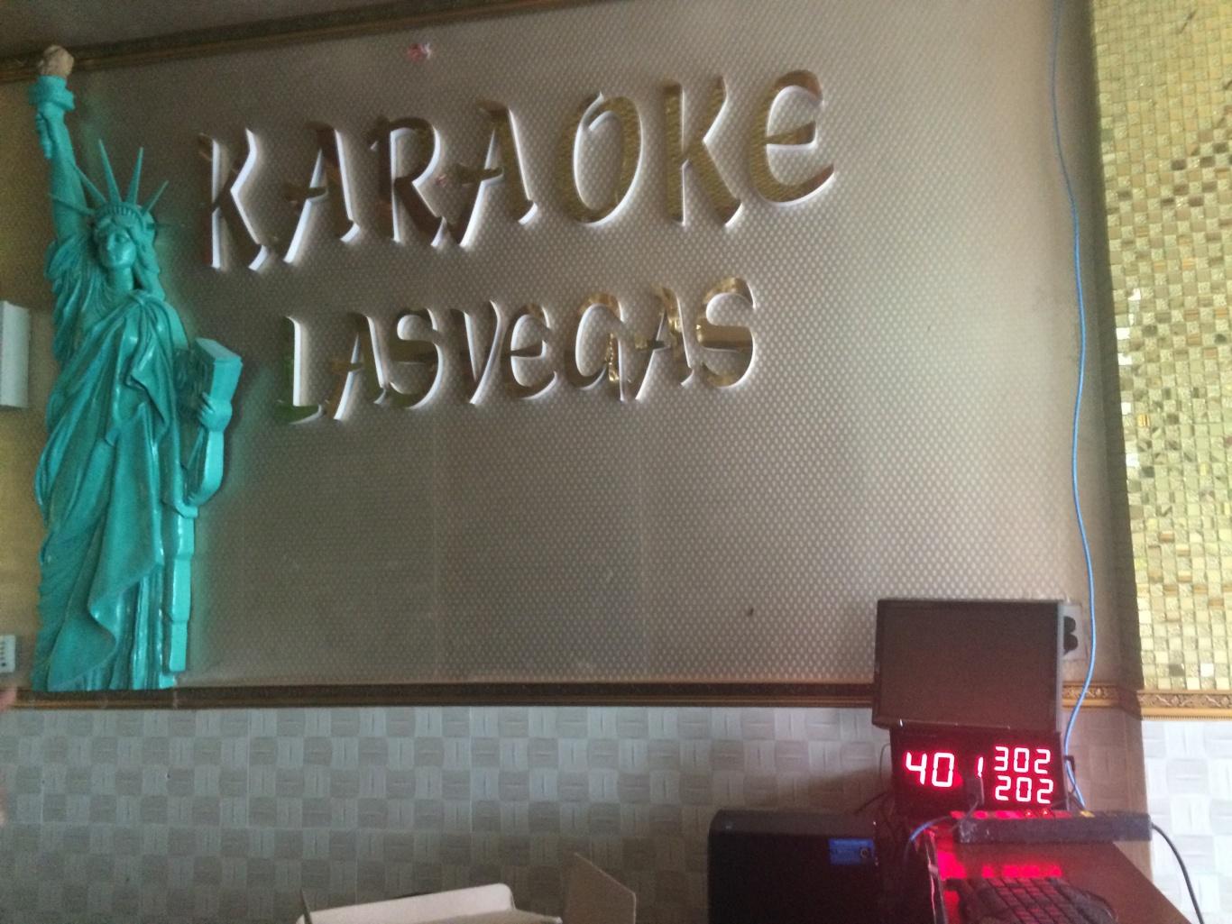 màn hiển thị chuông gọi phục vụ tại quán karaoke