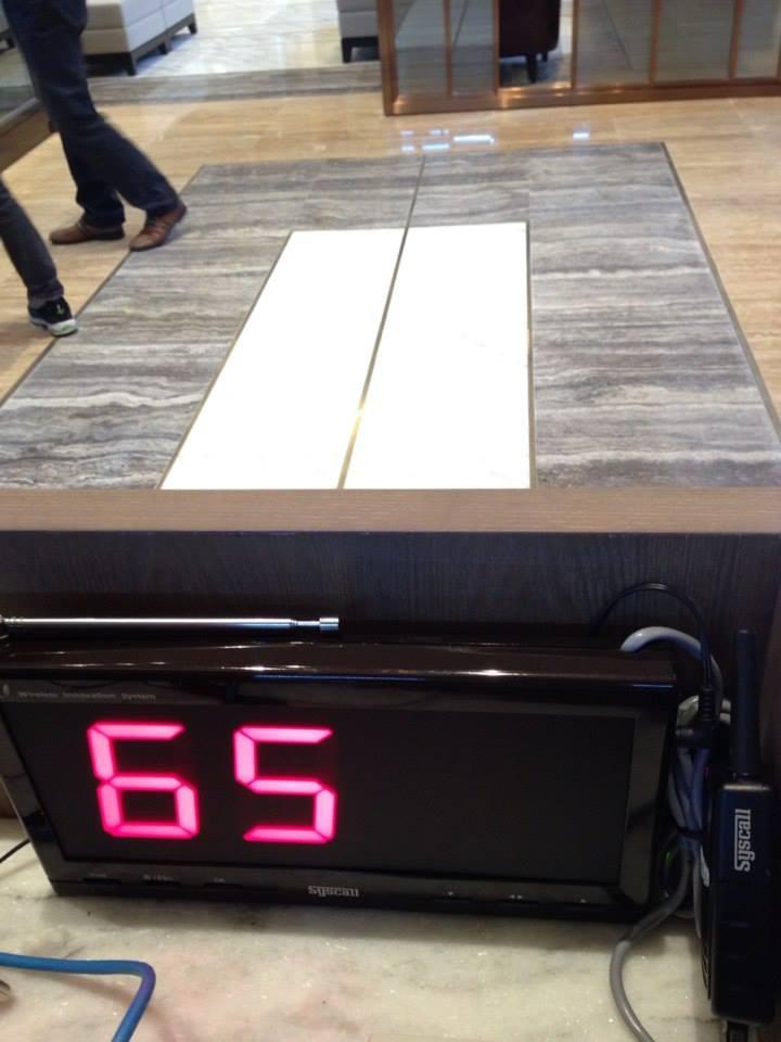 màn hỉnh hiển thị sr-330 tại nhà hàng