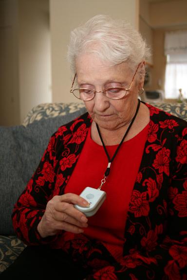 nút chuông báo động cho người già tại Quickbell