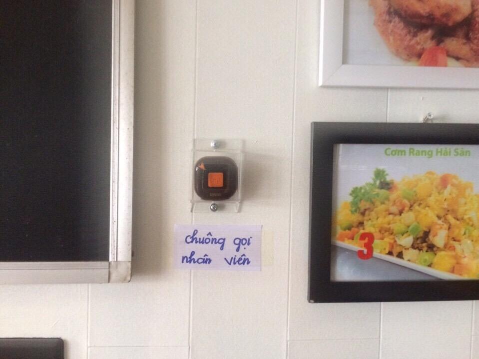 nút chuông gọi phục vụ không dây tại quán ăn nghĩa thúy