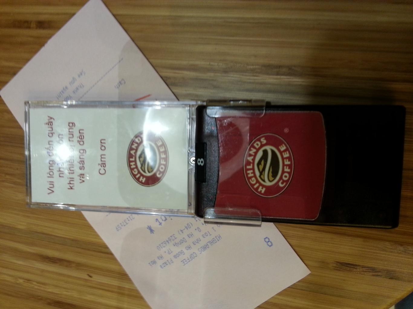 thiết bị tự phục vụ bí quyết thành công của Highlands Coffee